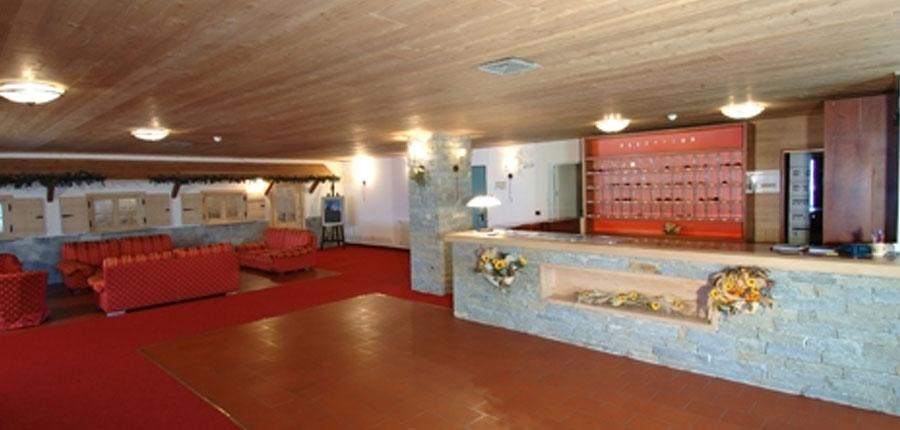 italy_bormio_hotel_girasole_reception.jpg